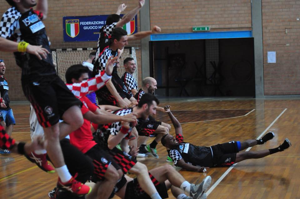 images/spartans_handball_a2.jpg